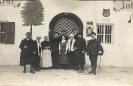 Gruppenfoto, Ort und Datum unbekannt, historische Fotografie