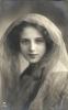 Fotografie als Postkarte Konzipiert-Frauenporträt an Johann Kugler, Jägerstr. 19 in München